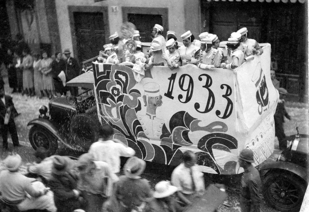 las carrozas del carnaval de Tenerife a la itv
