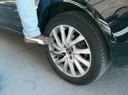 ¿Cómo cambiar una rueda de forma correcta?