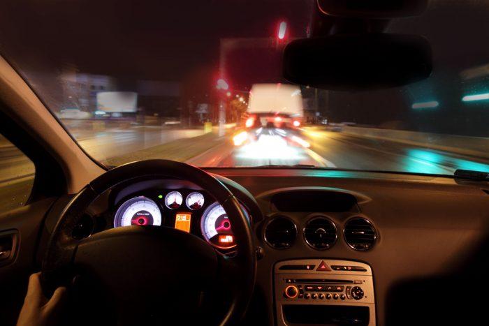 Luces traseras de una furgoneta