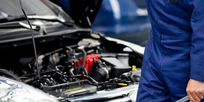 Revisión del motor del coche