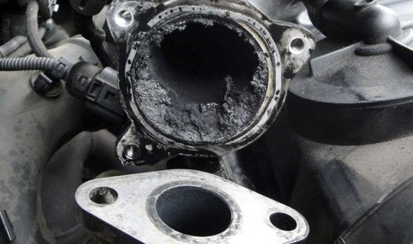 Carbonilla en el motor