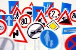Señales de tráfico en España: Cuáles hay y qué significan