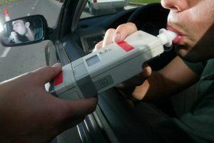 ¿Cuál es el límite de alcoholemia al volante?