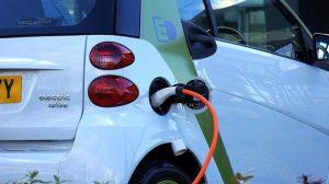 Cómo funciona la ITV en coches eléctricos e híbridos